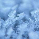 車の凍る窓、どうしたものか…一発で効く方法とタブーな事は