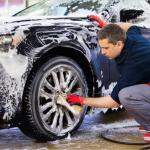 車の洗車方法【ホイール編】頑固なホイール汚れを落とすには?