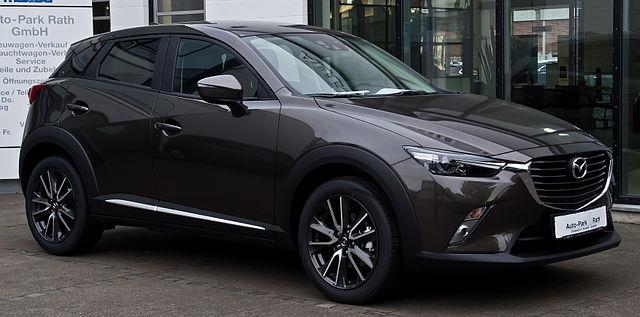 Mazda_CX-3_SKYACTIV-G_120_FWD_Sports-Line_–_Frontansicht,_16._Juni_2015,_Düsseldorf