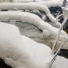 雪降ったらみんな車のワイパー立てるのは何で?不思議な光景